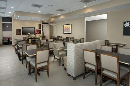 Restaurant | Holiday Inn Express Baltimore At The Stadiums