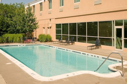 Pool | Holiday Inn Express Baltimore At The Stadiums