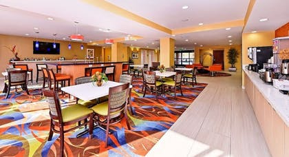 Family Dining | Best Western Plus Fresno Airport Hotel