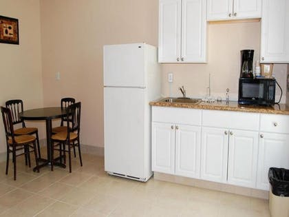 Private Kitchenette | Clearwater Beach Hotel