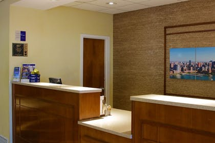 Reception | Best Western Plus Galleria Inn & Suites
