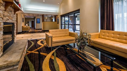 Lobby | Best Western Plus Galleria Inn & Suites