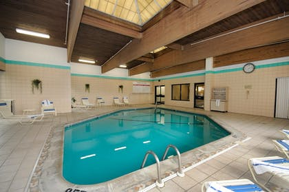 Pool | Best Western Executive Hotel Of New Haven-west Haven