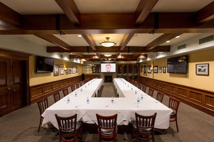 Meeting Facility | The Tremont Chicago Hotel at Magnificent Mile