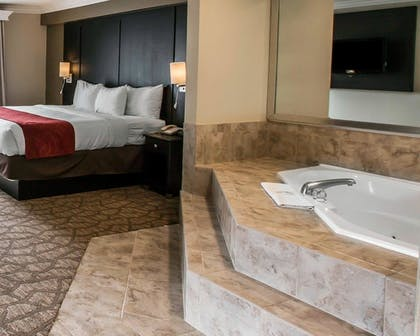Jetted Tub | Comfort Suites San Clemente Beach