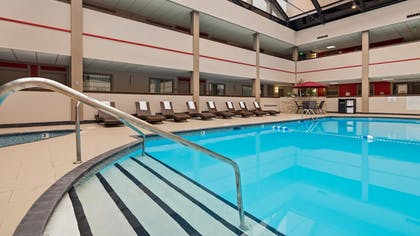 Pool | Best Western Premier Milwaukee-Brookfield Hotel & Suites