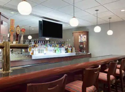 Bar | DoubleTree by Hilton Newark Penn Station