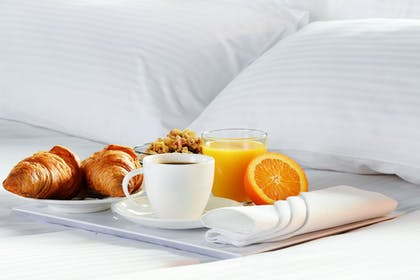Breakfast Meal | DoubleTree by Hilton Newark Penn Station