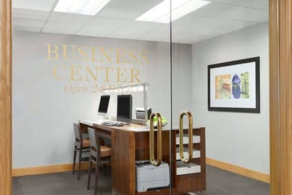 Business Center | DoubleTree by Hilton Newark Penn Station
