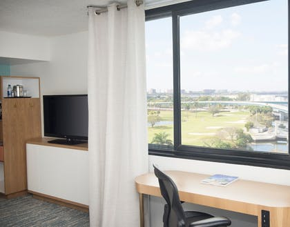 Guestroom | Sheraton Miami Airport Hotel & Executive Meeting Center