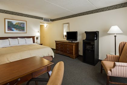 Guestroom | Holiday Inn Express Naperville