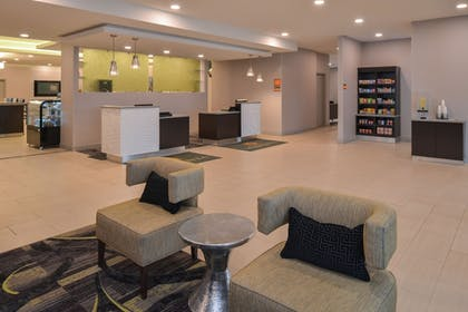 Lobby | La Quinta Inn & Suites by Wyndham Indianapolis South