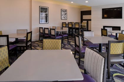 Dining | La Quinta Inn & Suites by Wyndham Indianapolis South