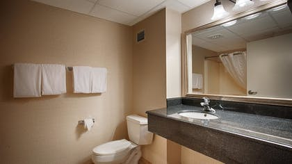Bathroom | Best Western Mount Vernon/Ft. Belvoir