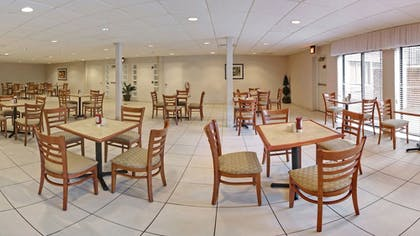 Breakfast Area | Best Western Mount Vernon/Ft. Belvoir