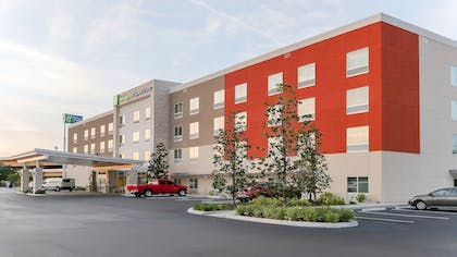 Featured Image | Holiday Inn Express & Suites Tampa East - Ybor City