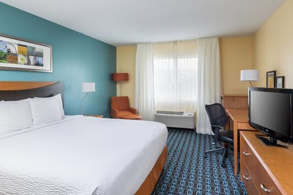 Guestroom | Fairfield Inn & Suites Kansas City Lee's Summit