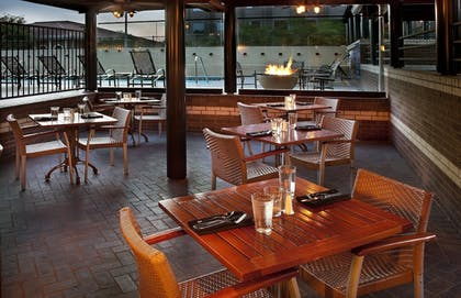 Outdoor Dining | DoubleTree Suites by Hilton Austin