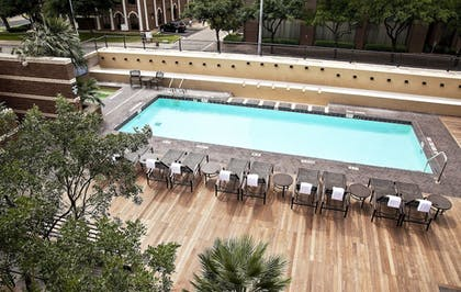 Outdoor Pool | DoubleTree Suites by Hilton Austin