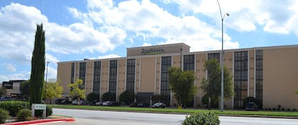 Front of Property   Radisson Hotel Fort Worth-Fossil Creek