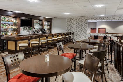 Hotel Bar | Crowne Plaza Milwaukee Airport