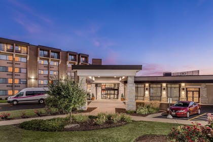 Exterior | Crowne Plaza Milwaukee Airport