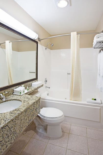 Bathroom | Best Western Plus Marina Shores Hotel