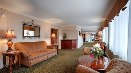 Lobby | Magnuson Grand Pioneer Inn and Suites