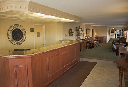 Interior Entrance | Magnuson Grand Pioneer Inn and Suites