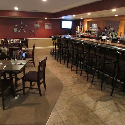 Hotel Bar | Magnuson Grand Pioneer Inn and Suites