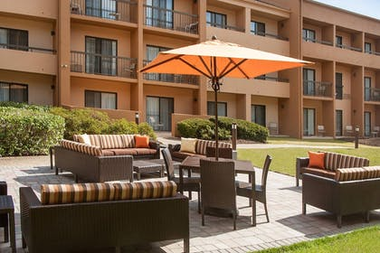 Terrace/Patio | Courtyard by Marriott Baltimore Hunt Valley