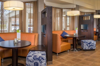 Hotel Lounge | Courtyard by Marriott Baltimore Hunt Valley