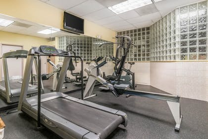 Fitness Facility | Comfort Inn & Suites Seattle
