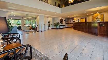 Lobby | Best Western Plus Plaza by the Green