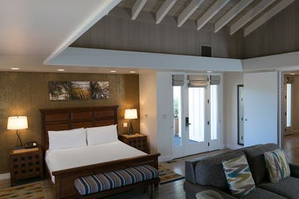 Guestroom | Quail Lodge & Golf Club