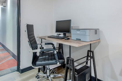 Business Center | Quality Inn