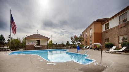 Pool | Best Western Davison Inn