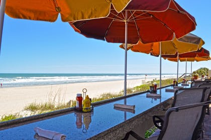 Outdoor Dining | The Lodge and Club at Ponte Vedra Beach
