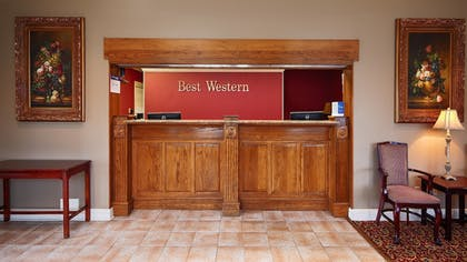 Lobby | Best Western Forest Inn