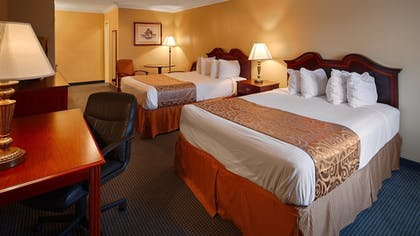 Guestroom | Best Western Forest Inn