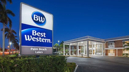 Property Entrance | Best Western Palm Beach Lakes
