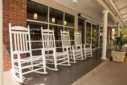 Terrace/Patio | Best Western Palm Beach Lakes