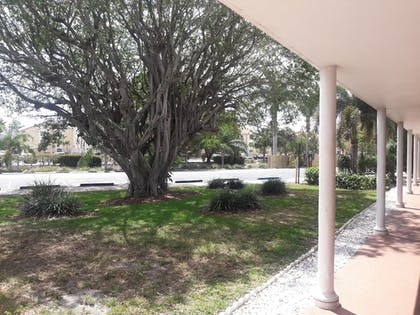 Exterior | Best Western Palm Beach Lakes