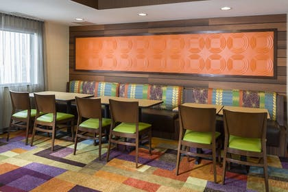 Lobby | Fairfield Inn & Suites by Marriott Springfield