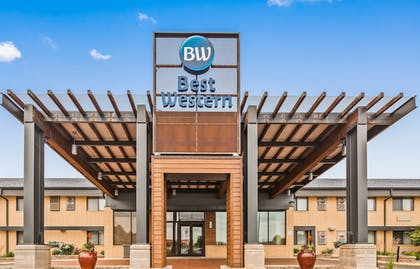 Featured Image | Best Western West Towne Suites