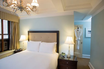 Guestroom | The Franklin Hotel