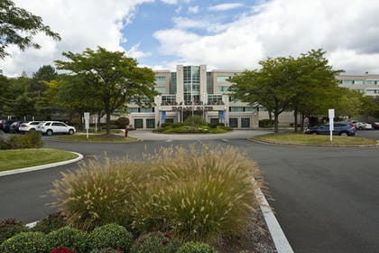 Exterior | Embassy Suites by Hilton Parsippany