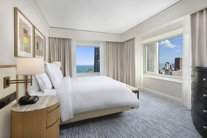 | Family Suite | Four Seasons Hotel Chicago