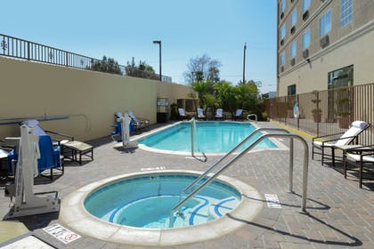 Outdoor Pool | Holiday Inn Express Hotel and Suites Pasadena-Colorado Blvd