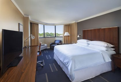 Guestroom | Four Points by Sheraton Richmond